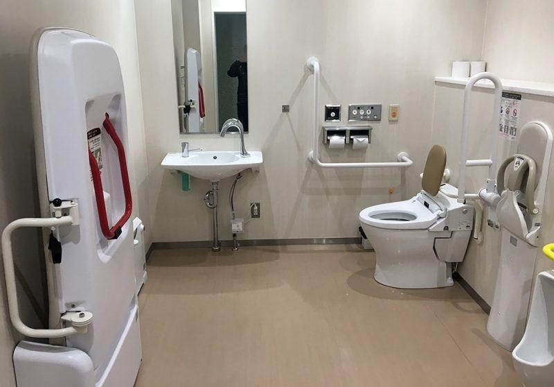 多目的トイレも完備。