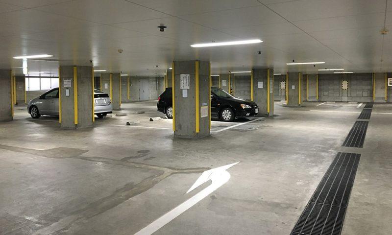 深川スポーツセンター 地下駐車場の様子