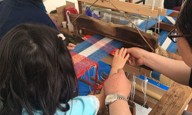佐久バルーンフェスティバルでのぼろ織り体験