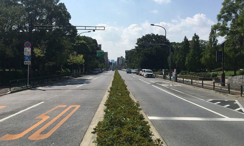 新大橋通り沿いのパーキングメーター