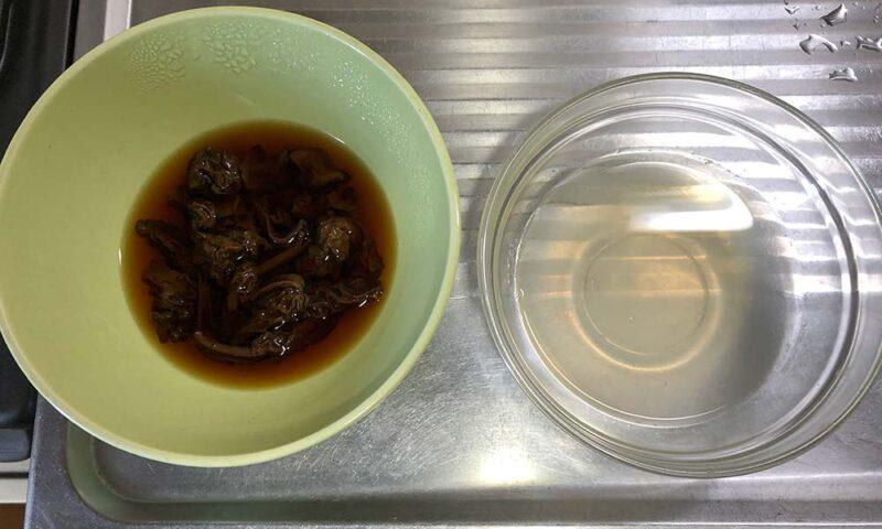 アミガサタケの出汁と昆布出汁