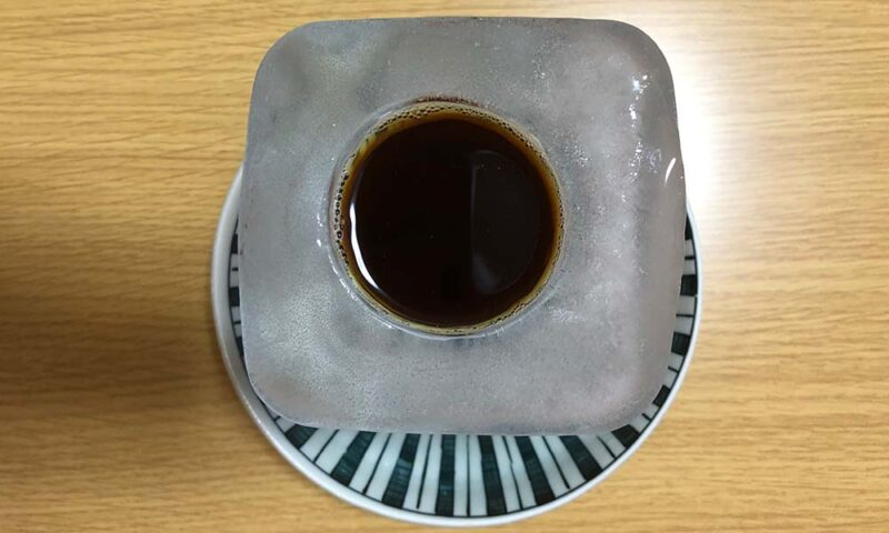 自作した氷の器アイスコーヒー