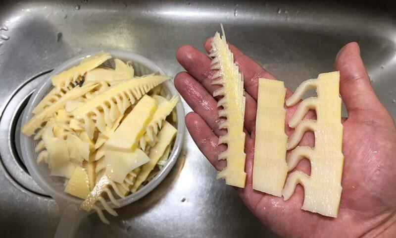 タケノコをメンマの形状に切る